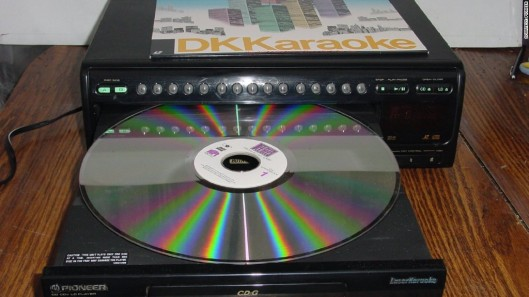 150102082430-ces-laserdisc-1024x576
